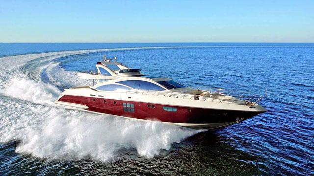 Racing the Nigel James Chartered Motor Yacht