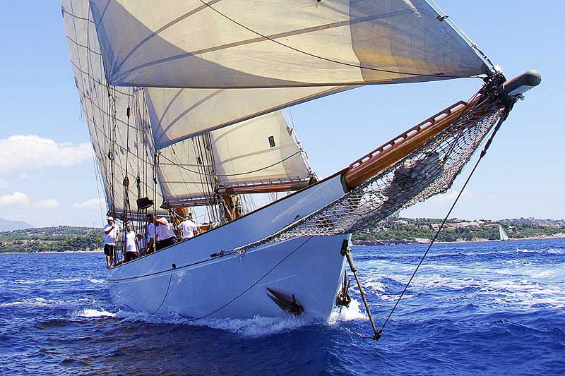Nigel James Yacht Charter classic crewed charter yacht Aello sailing in Greece
