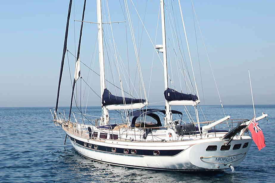 Crewed charter 0sailing yacht Morgane